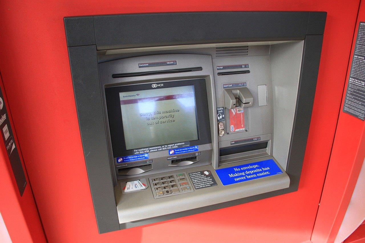bankasizlari bankalandirmak mi kimliklendirmek mi