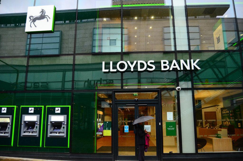 bankacilik devi lloyds kadrosuna kripto varlik uzmani katmak istiyor