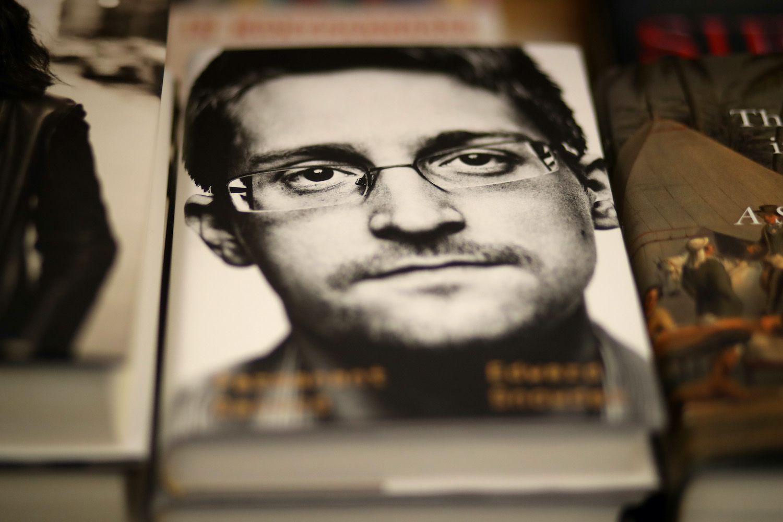 Snowden bitcoin el salvador