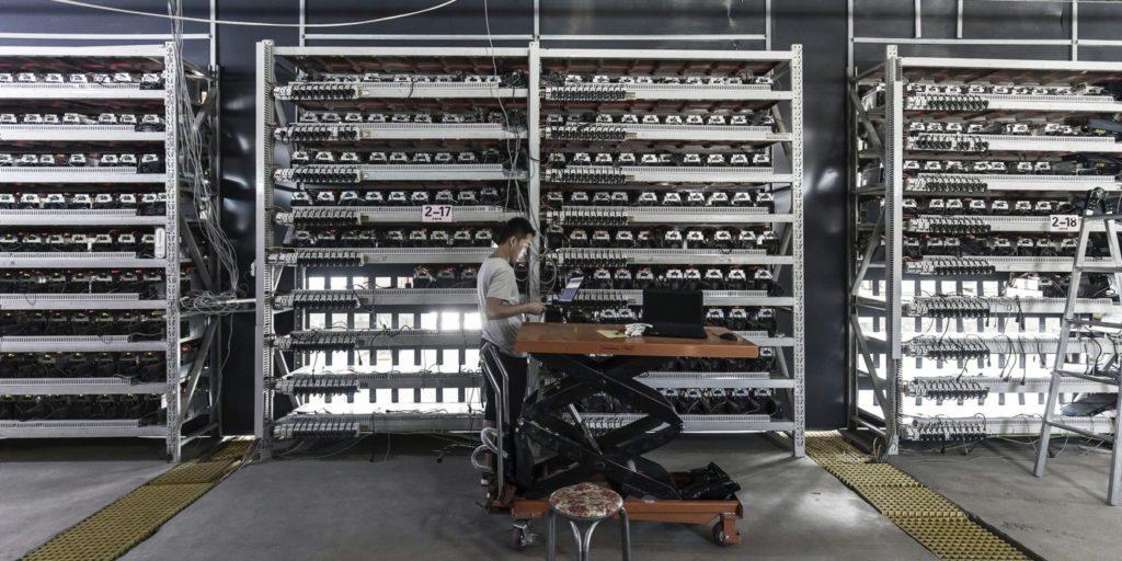 bitcoin madencileri agustos ayinda 1 41 milyar dolar gelir elde etti