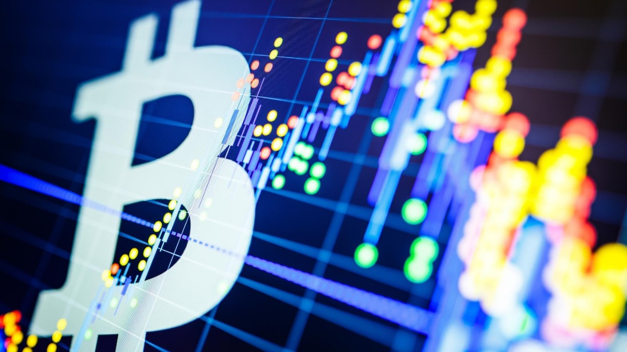 bitcoin piyasa degeri trilyon dolara goz kirpti