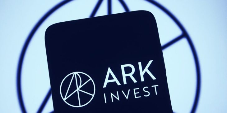 ark invest coinbase hisselerini ilk kez satti
