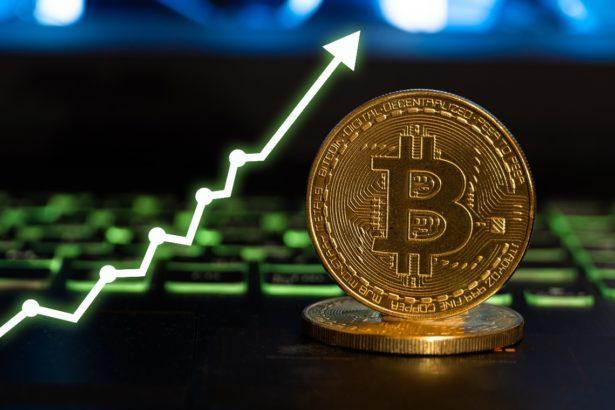bitcoin yeniden 60 bin dolari gordu